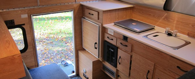 Travel Amateurs - The Camper